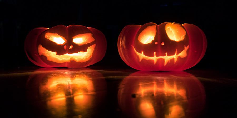 Decoración con pulseras luminosas para Halloween calabazas Partylus