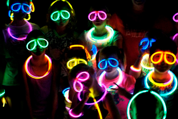 Pulseras luminosas fiestas infantiles Partylus